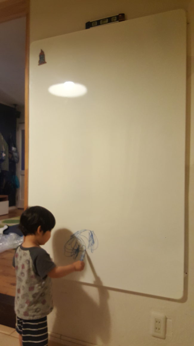 IKEA ホワイトボード VEMUND 取り付け