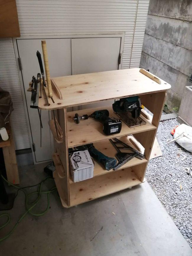 DIYで作る作業台・収納棚