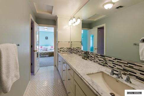 Holcomb bath
