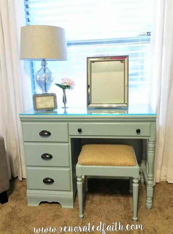 makeup-table-front