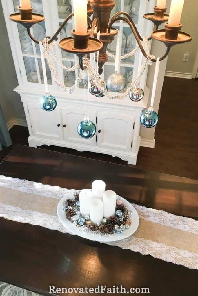 Why Celebrate Advent? {Modern Advent Wreath Ideas} #adventwreath #christmascenterpiece #advent