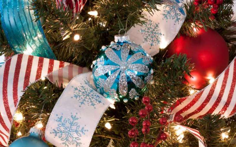 How to Decorate a Christmas Tree Step by Step (Adding Ribbon on Tree-Ideas & Hacks)
