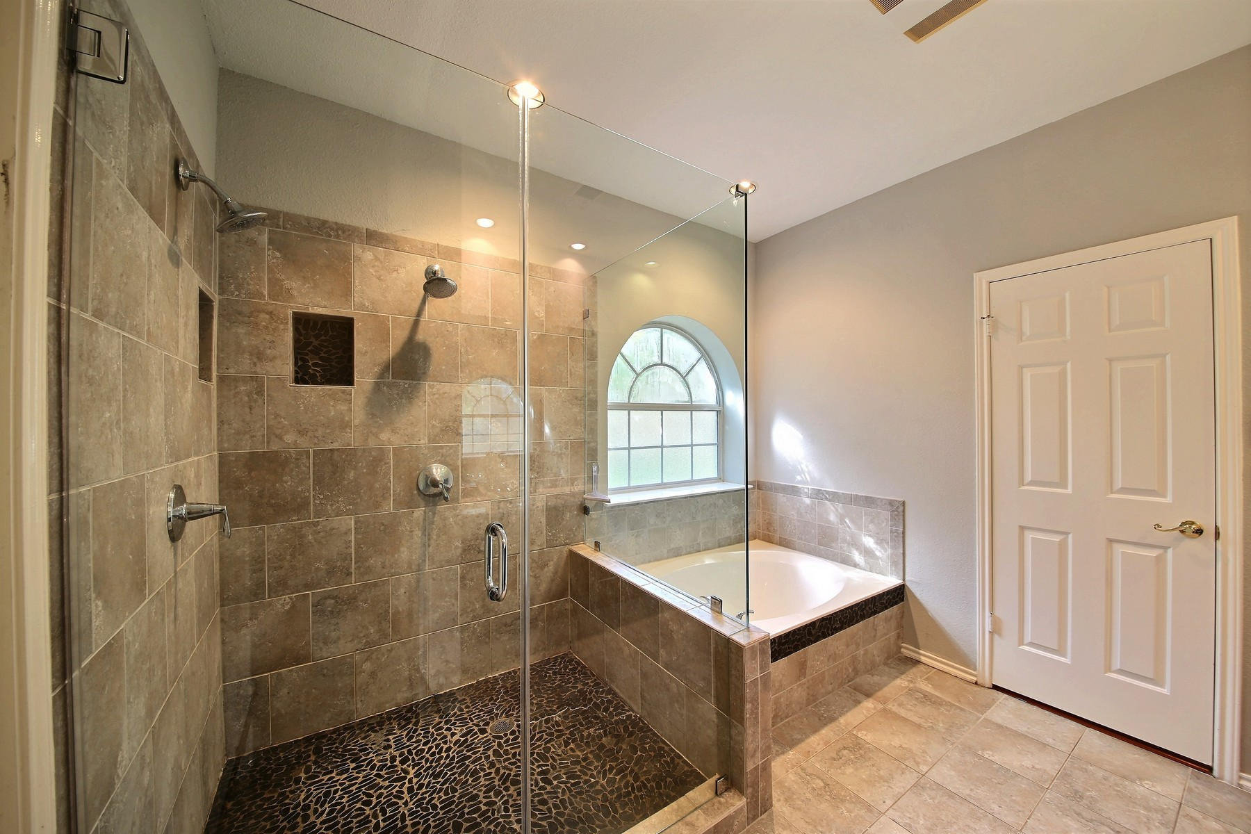 15 designing tips for remodeling your bathroom renovate on 81 Bathroom Design And Tips For Designing Your Own Bathroom id=16030