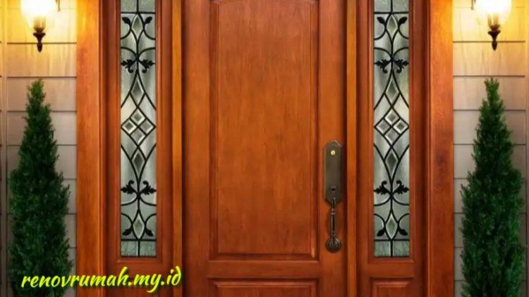 Pintu kayu kamper