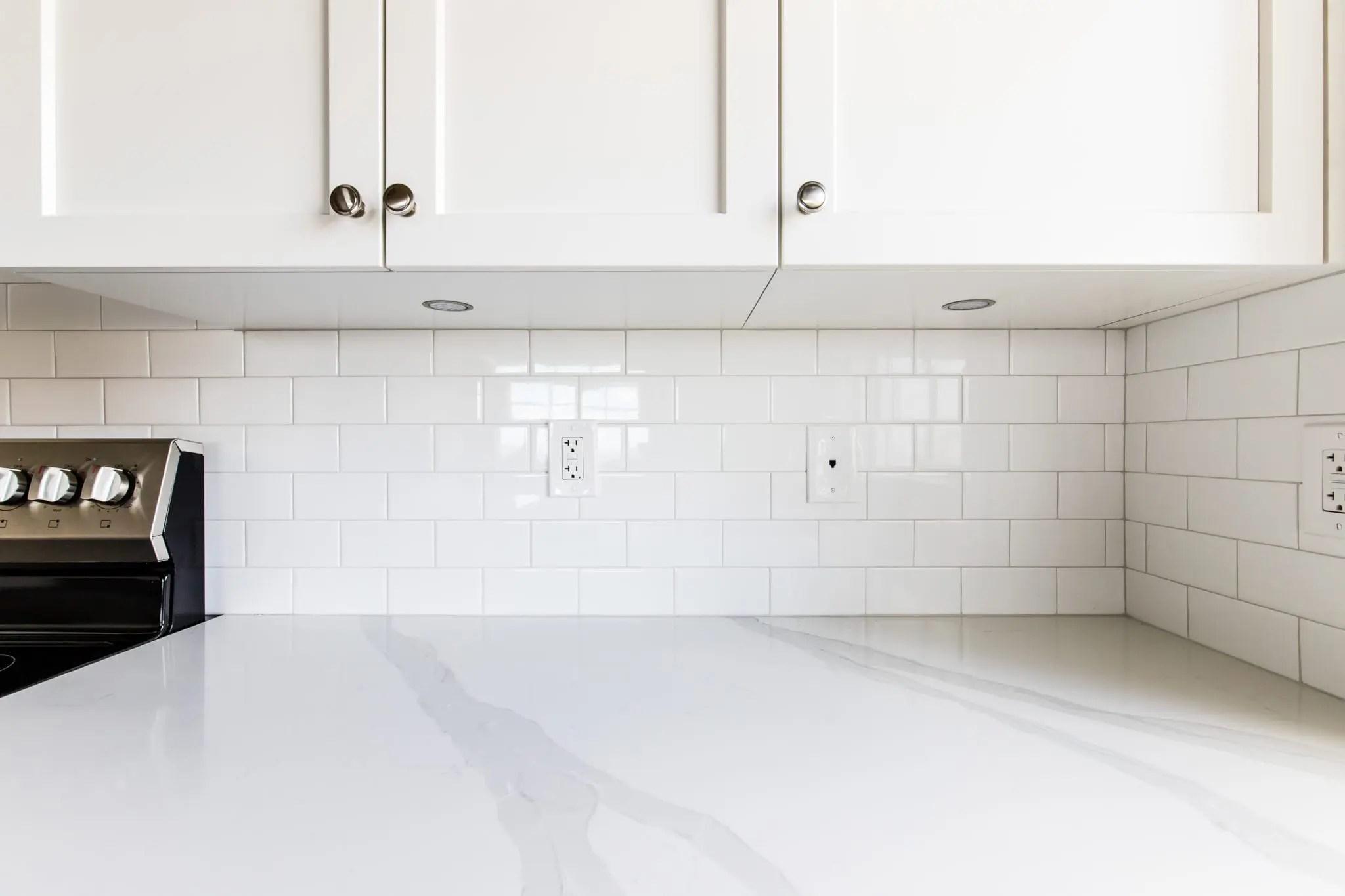 mid rise dallas condo kitchen