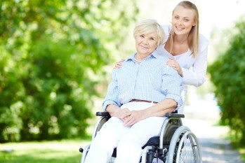 Benefits of Being a Senior Caregiver