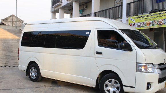 tarif rental mobil hiace wedding ca