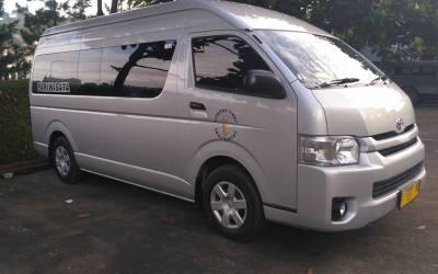 Liburan ke Bandung, Paling Nyaman Menggunakan Hiace Commuter                                        5/5(5)