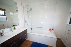 Rent-A-Room 8 Regent Street Bedroom 6e_preview