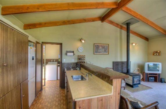 28 Earnslaw Terrace Kitchen