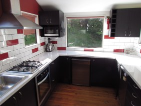 4a Weaver Street Queenstown Rent-A-Room Kitchen 1