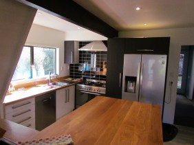 6a William Street (Uo) Queenstown Rent A Room Room Kitchen d