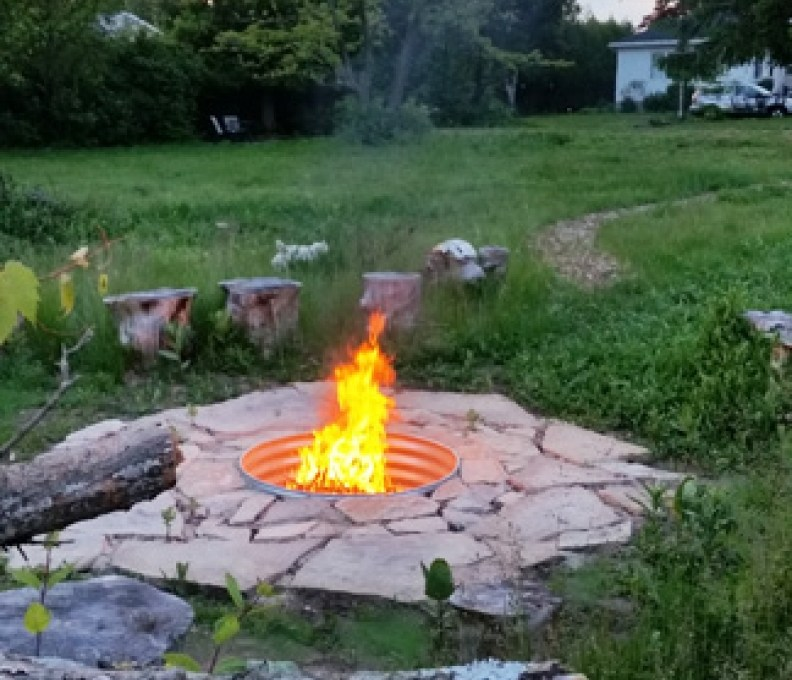 Coral-Hill-Cottage-Fire-Pit-2-792x739_c_epl_slider