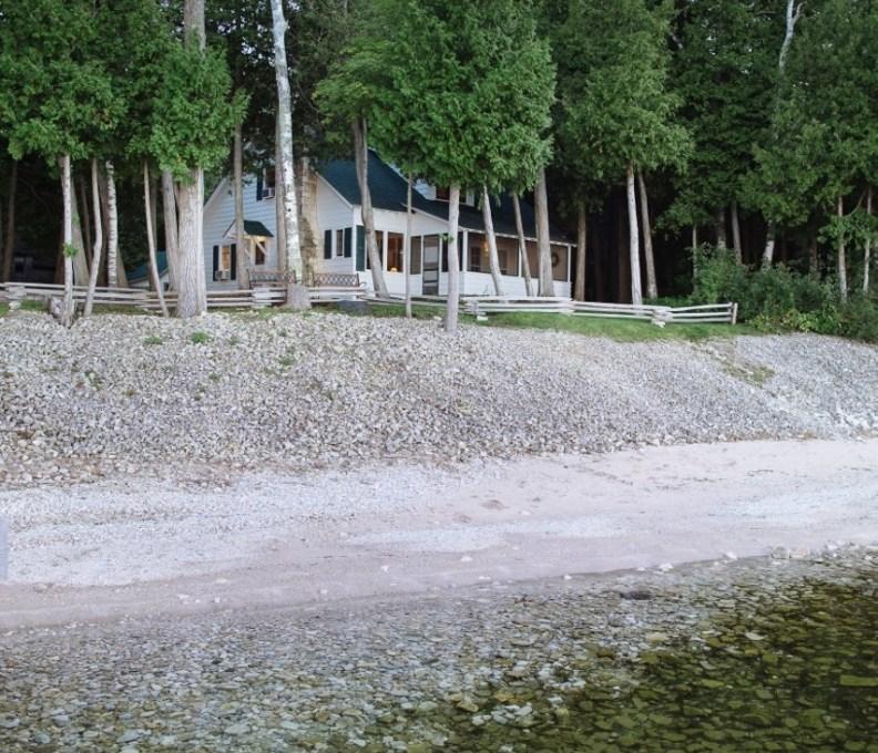 Cottage2-040-853x1280-792x739_c_epl_slider