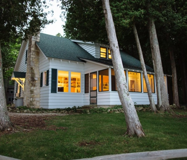 Cottage2-046-1280x853-792x739_c_epl_slider