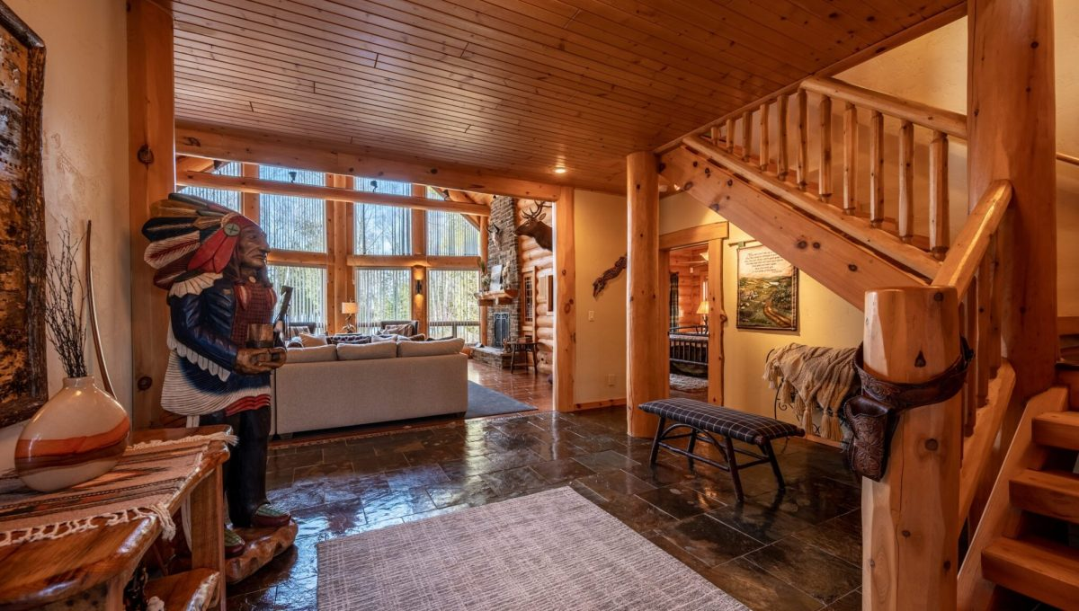 5559 Cave Point Drive-21