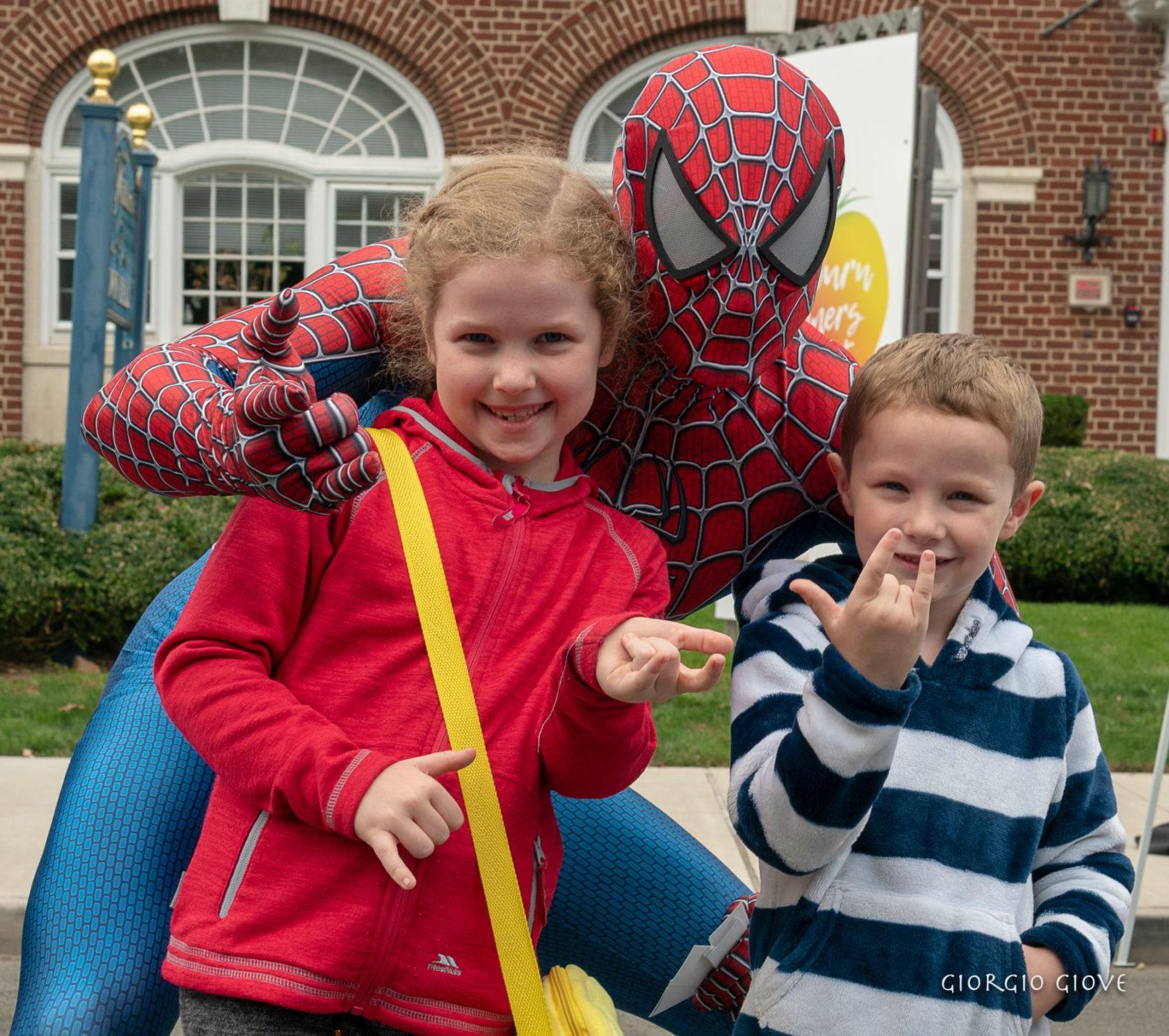 Spider Man-teaching web shooter