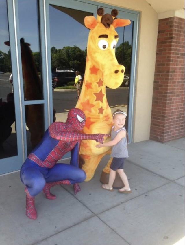 Spider man visits I Play