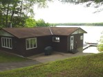 Private 3 bedroom overlooking the lake with a king, 2 queens and 1 full