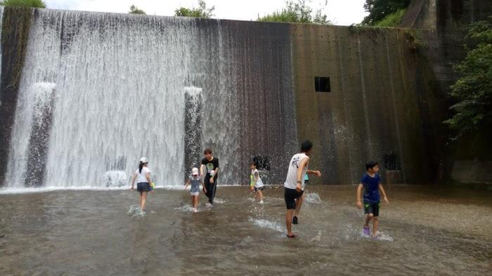 万内川砂防公園での川遊び
