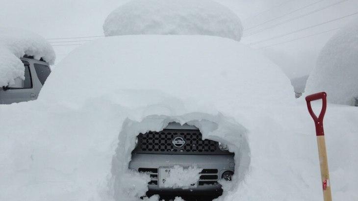 妙高の雪と車