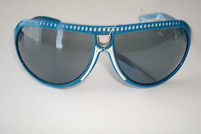 De Stunna 2 Shades Blue and White