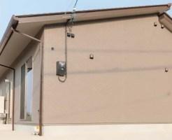 外樋の竪樋をうまく納める方法