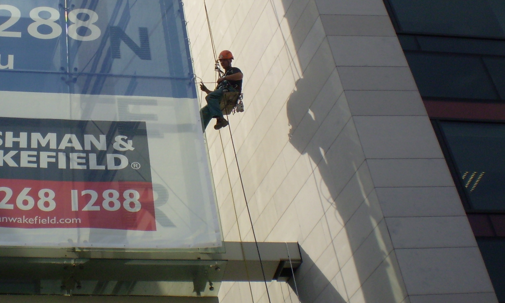 vinyl banner installation rope access