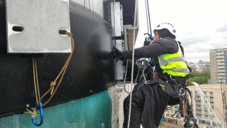 abseiling cladding fixers