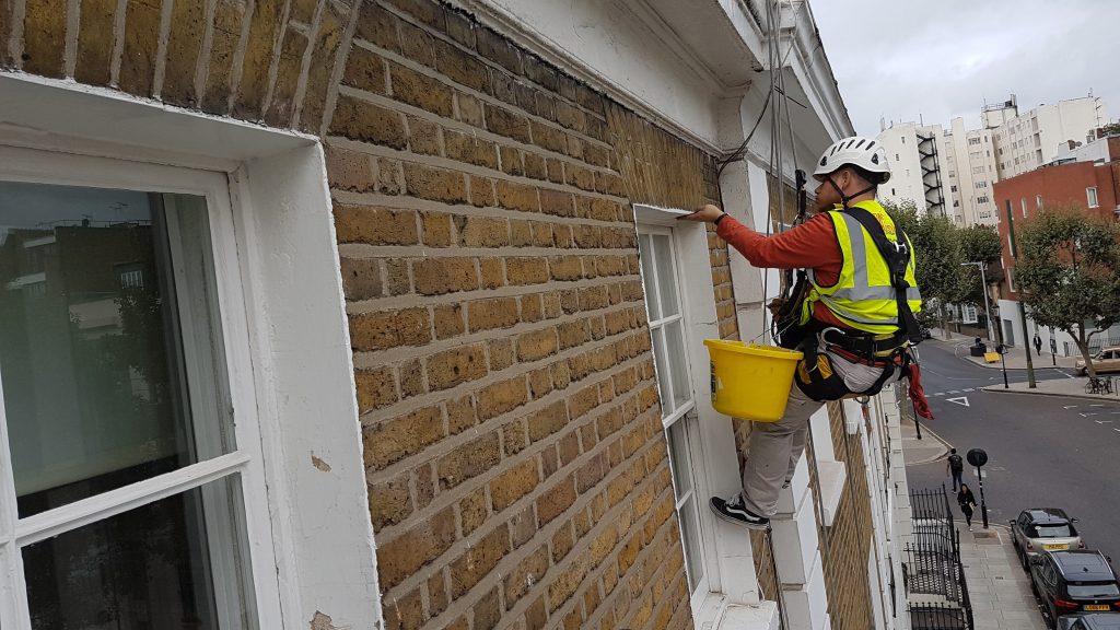 abseiling residential painting