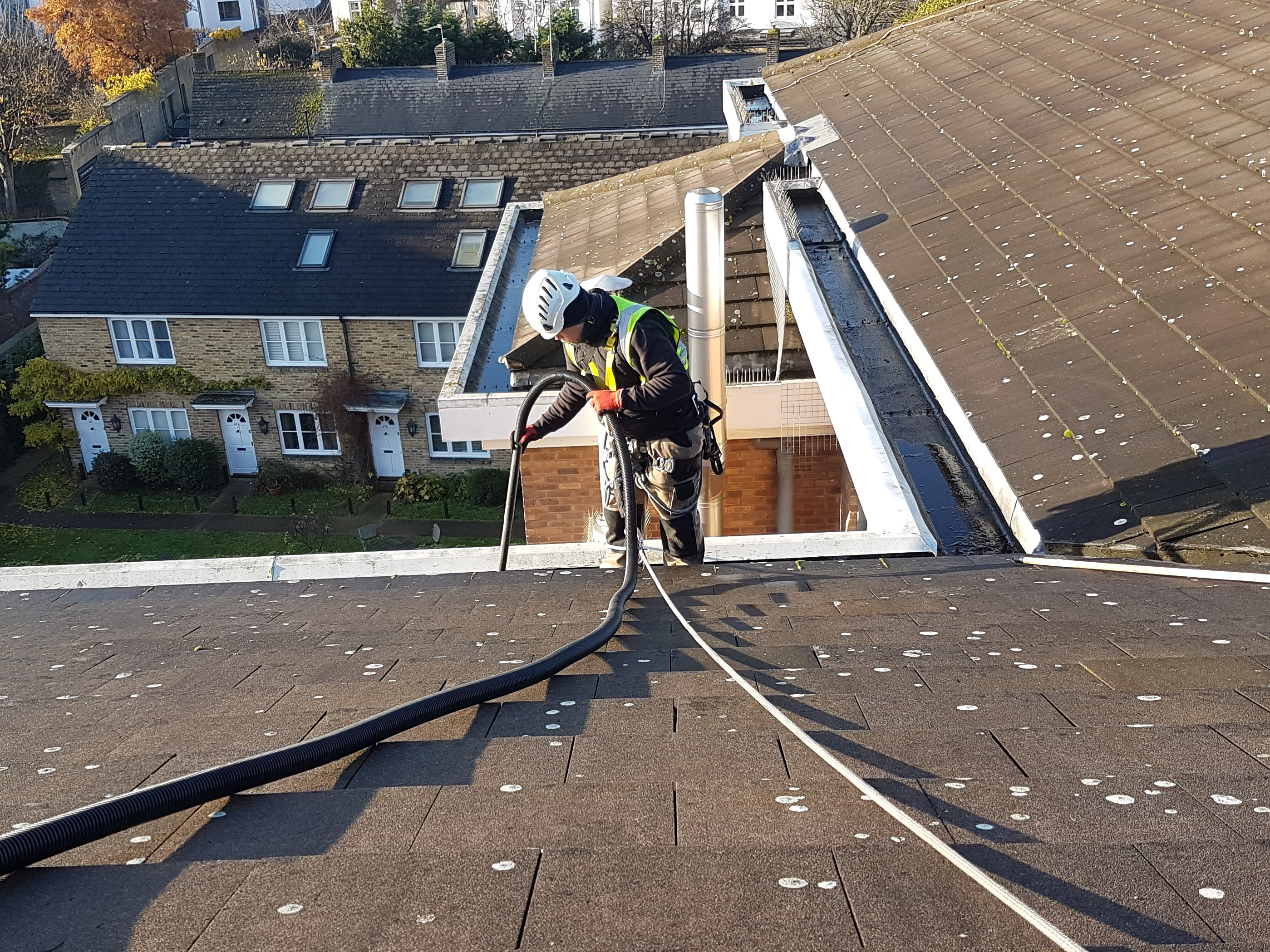 high level commercial gutter cleaning