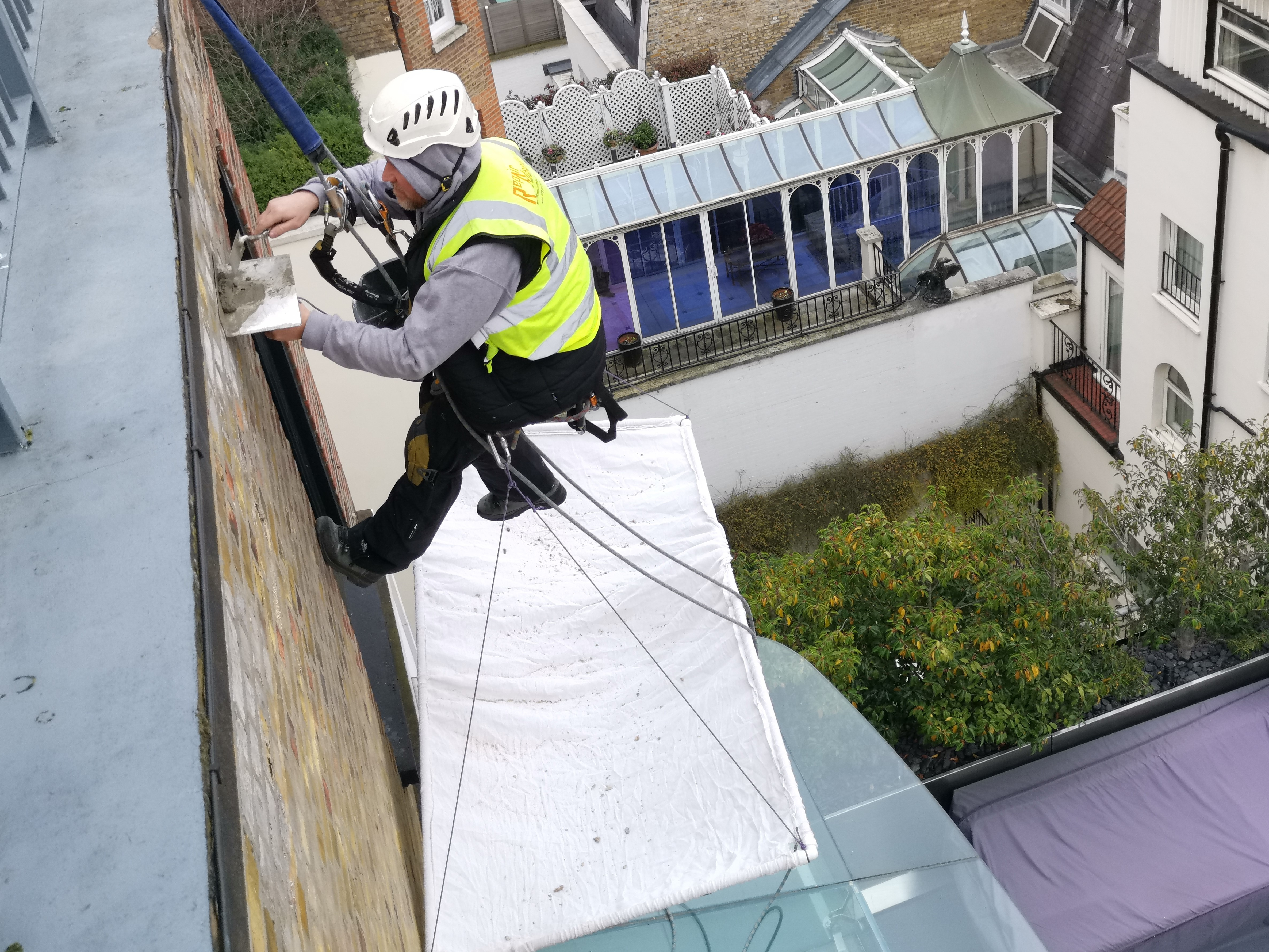 rope access pointing