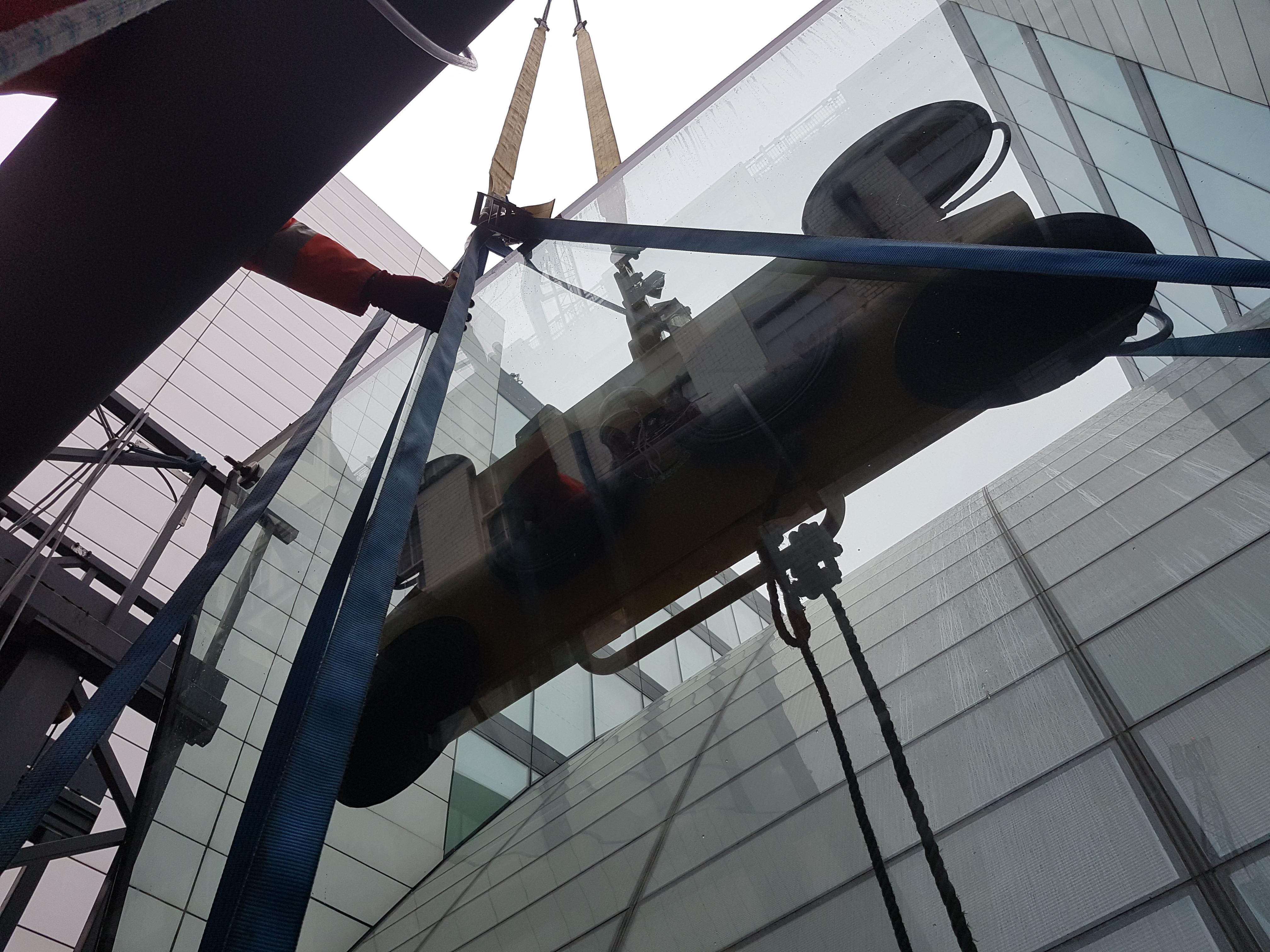 glass lifting operation