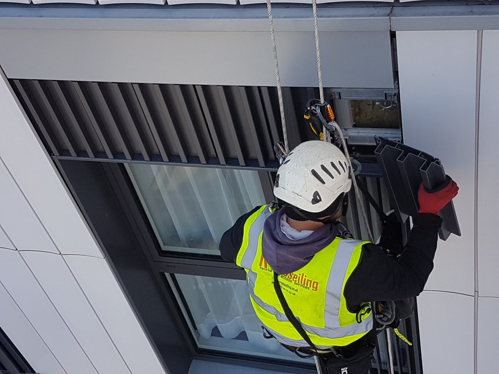 abseiling cladding services