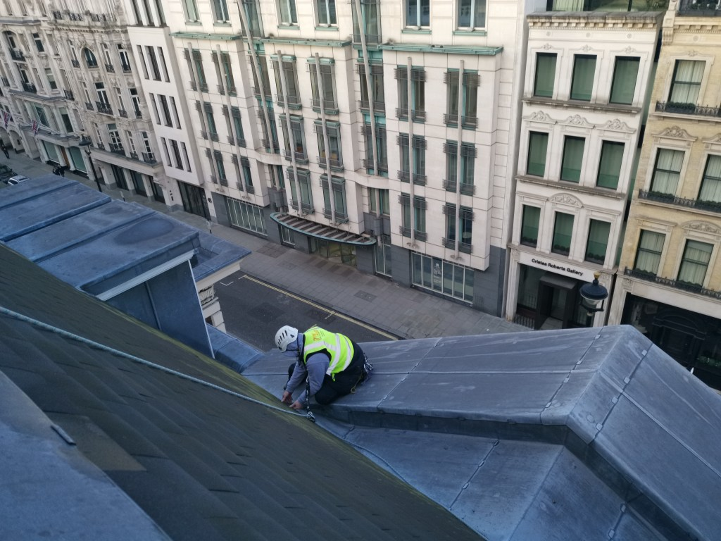 high level roof repairs without scaffolding