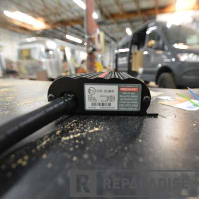 Smart Solar battery charger for vehicle