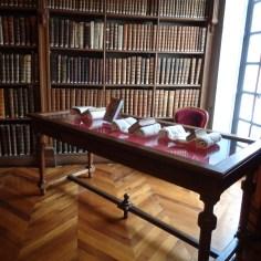 Livres de cuisine anciens présentés dans la salle Boullemier, aménagée au XVIIIe siècle
