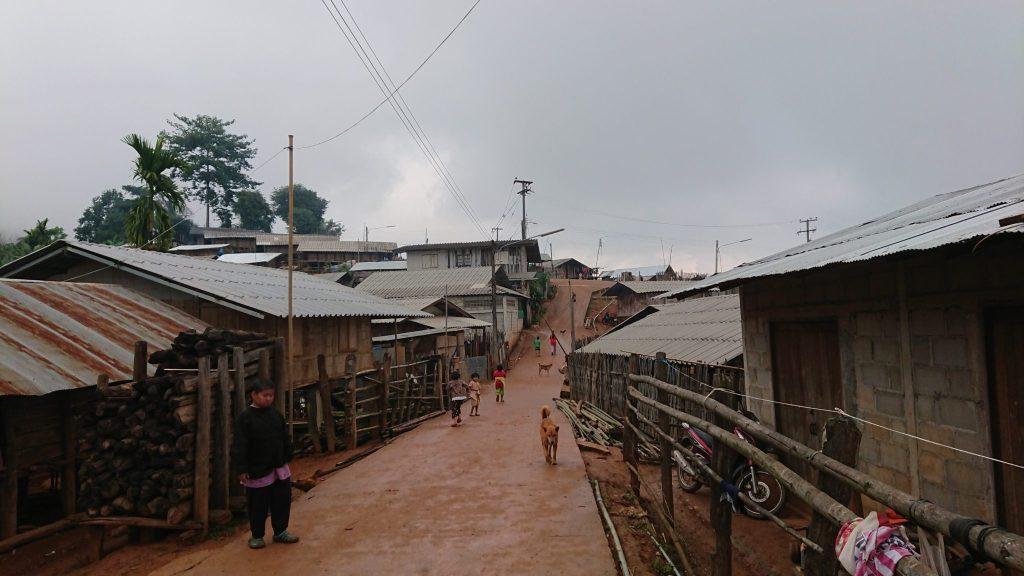 山岳民族の集落イメージ