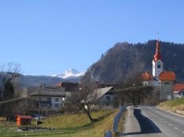 Cesta proti Zgornjim Gorjam