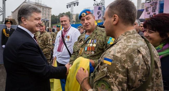 Цитатою Маяковського, яку Порошенко виголосив на параді, він просто розірвав росіян – блогер