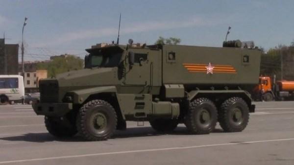 В России полностью сгорела новая военная техника ...