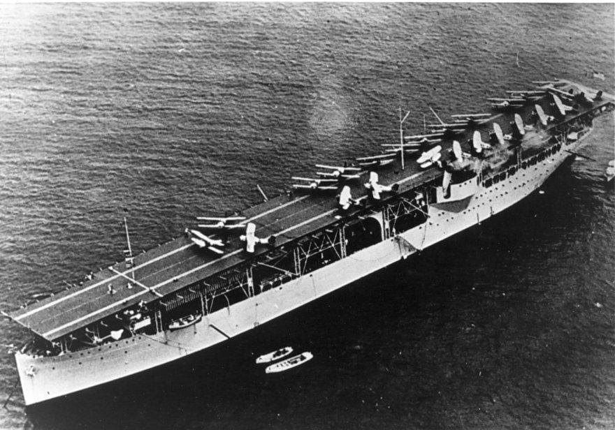 USS_Langley_CV-1_1924