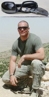 ESSのミリタリーサングラスを着用した米兵