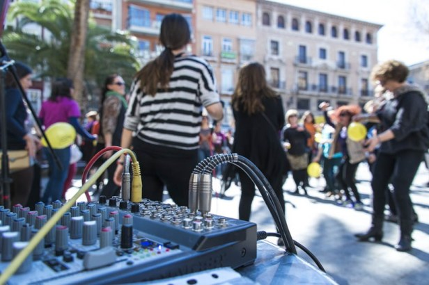 La musique a résonné sur la place Santo Domingo.