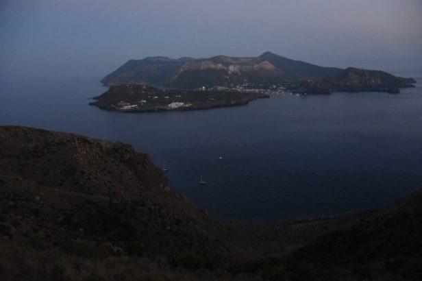 L'île de Vulcano, vue de celle de Lipari