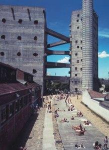 ブラジルが最も愛した建築家 リナ・ボ・バルディ展