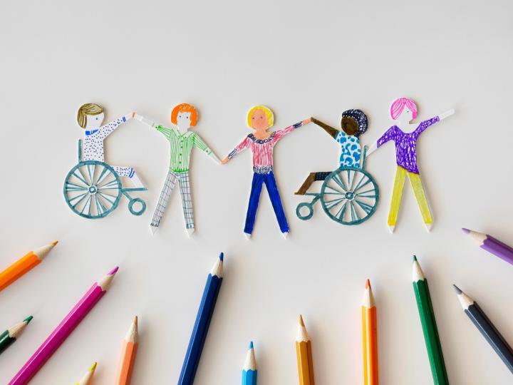 Las nuevas generaciones tienen la oportunidad de hacer la diferencia creando más diversidad en el uso del lenguaje. Imagen de Reportar sin Miedo.