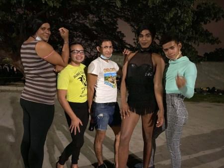 Personas LGTBIQ+ en la primera caravana migrante 2021 en San Pedro Sula. Foto: Dunia Orellan