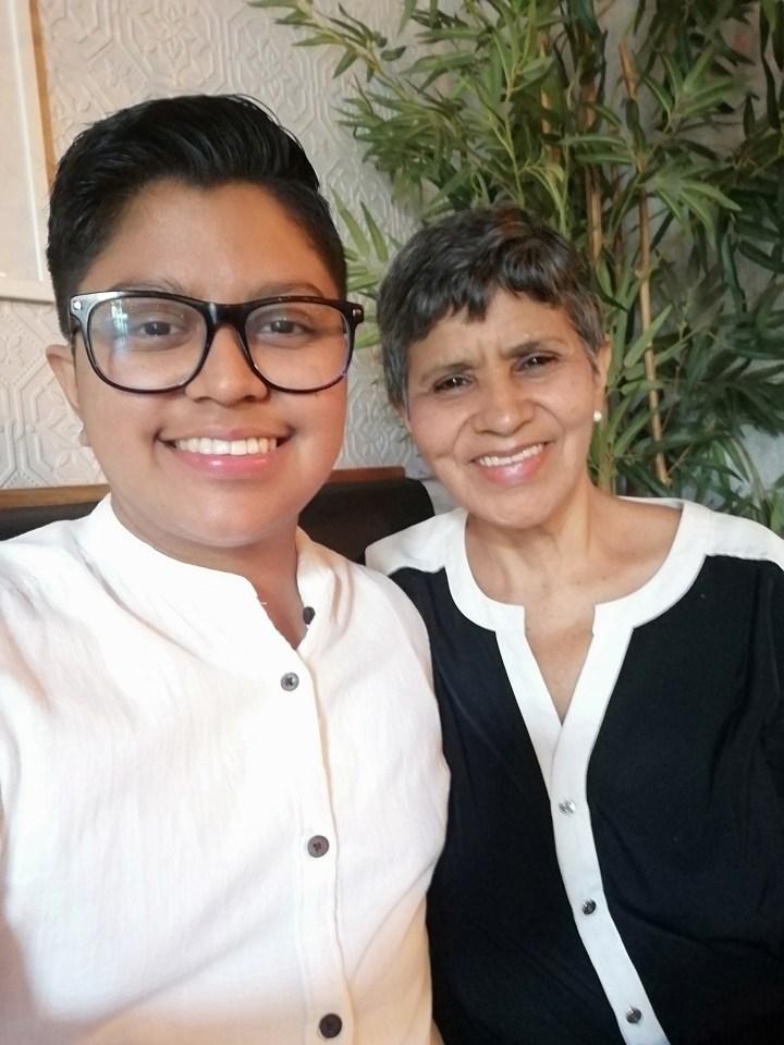 Nahil Zerón junto a su madre Ana Esther Flores (QDDG).