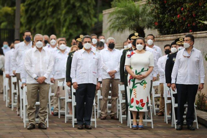 Los presidente del Congreso Nacional, Mauricio Oliva, el Ejecutivo, Juan Orlando Hernández y Judicial,